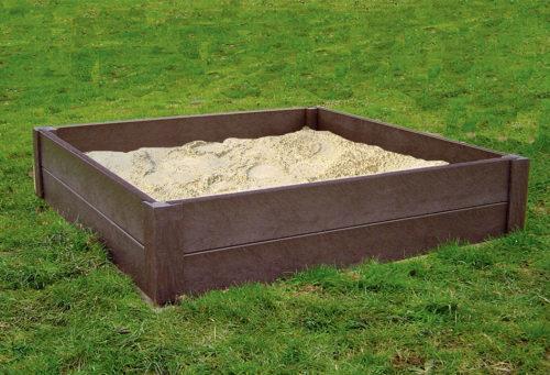 Bac à sable avec des bordures en plastique recyclé marron, modèle 9120