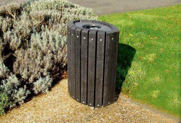 Corbeille 208 Plas Eco, en plastique recyclé noir, structure en acier galvanisé