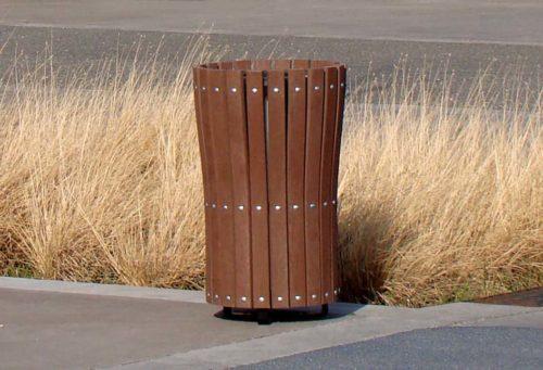 Mobilier urbain de propreté, corbeille 116.B Plas Eco, en plastique recyclé, structure en acier galvanisé noir