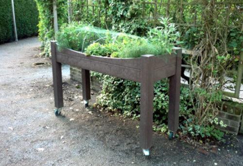 Jardin pédagogique de la catégorie mobilier de fleurissement urbain adapté aux personnes à mobilité réduite - Marque Plas Eco