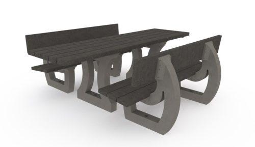 Table de pique-nique adaptée aux personnes à mobilité réduite et deux assises en plastique recyclé